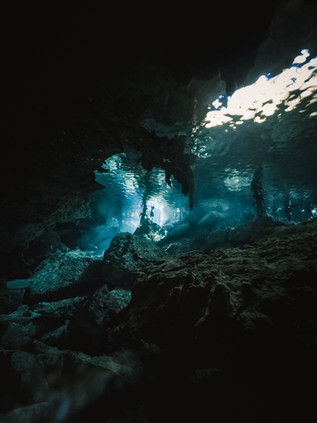 Cenote_Diving_Yucatan_12.jpg