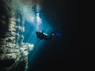 Cenote_Diving_Yucatan_6.jpg