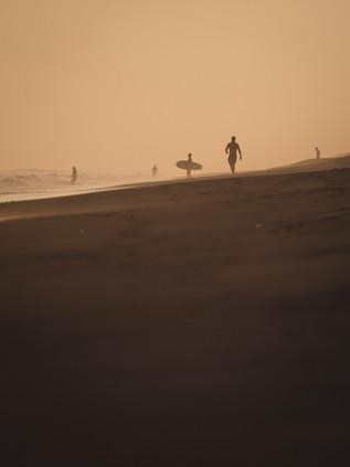 Surfing_El_Paredon_5.jpg