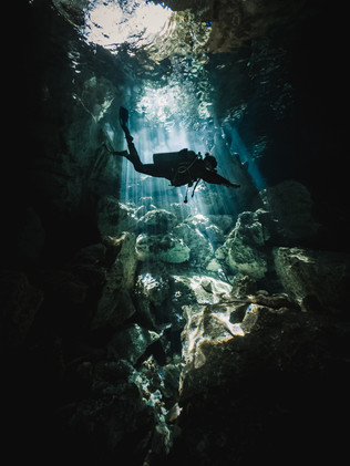 Cenote_Diving_Yucatan_10.jpg