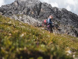 Hiking_E5_85.jpg