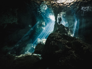 Cenote_Diving_Yucatan_11.jpg