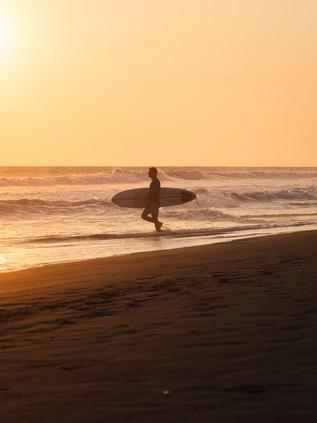 Surfing_El_Paredon_11.jpg