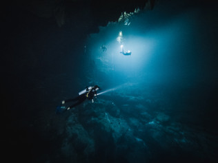 Cenote_Diving_Yucatan_4.jpg