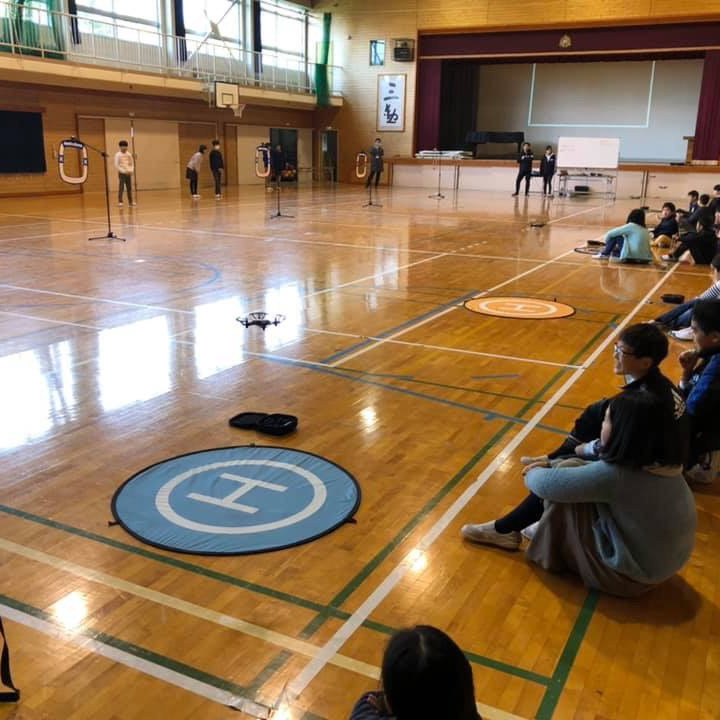 ドローン×プログラミング教室プロジェクト 日本全国小学6年生対象 ドローン×プログラミング 教室プロジェクト  〜子どもたちには未来を創造する権利がある〜