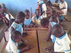 Barn i klasserom.jpg