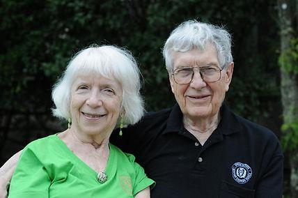 Betty Lee and Duard Barnes.jpe