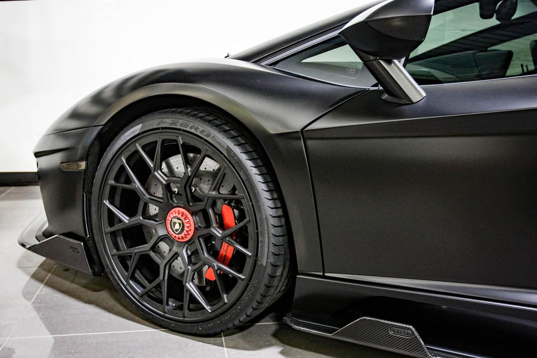 NERO - Aventador S Coupe Roadster98.jpg