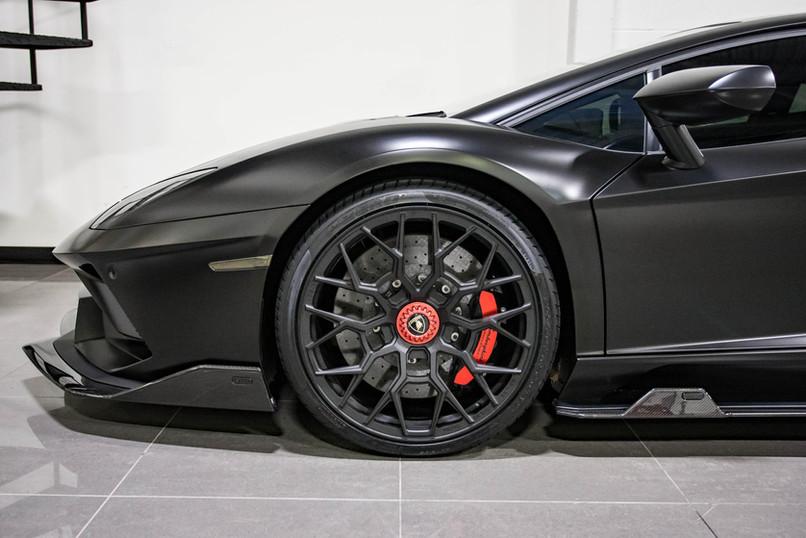 NERO - Aventador S Coupe Roadster78.jpg