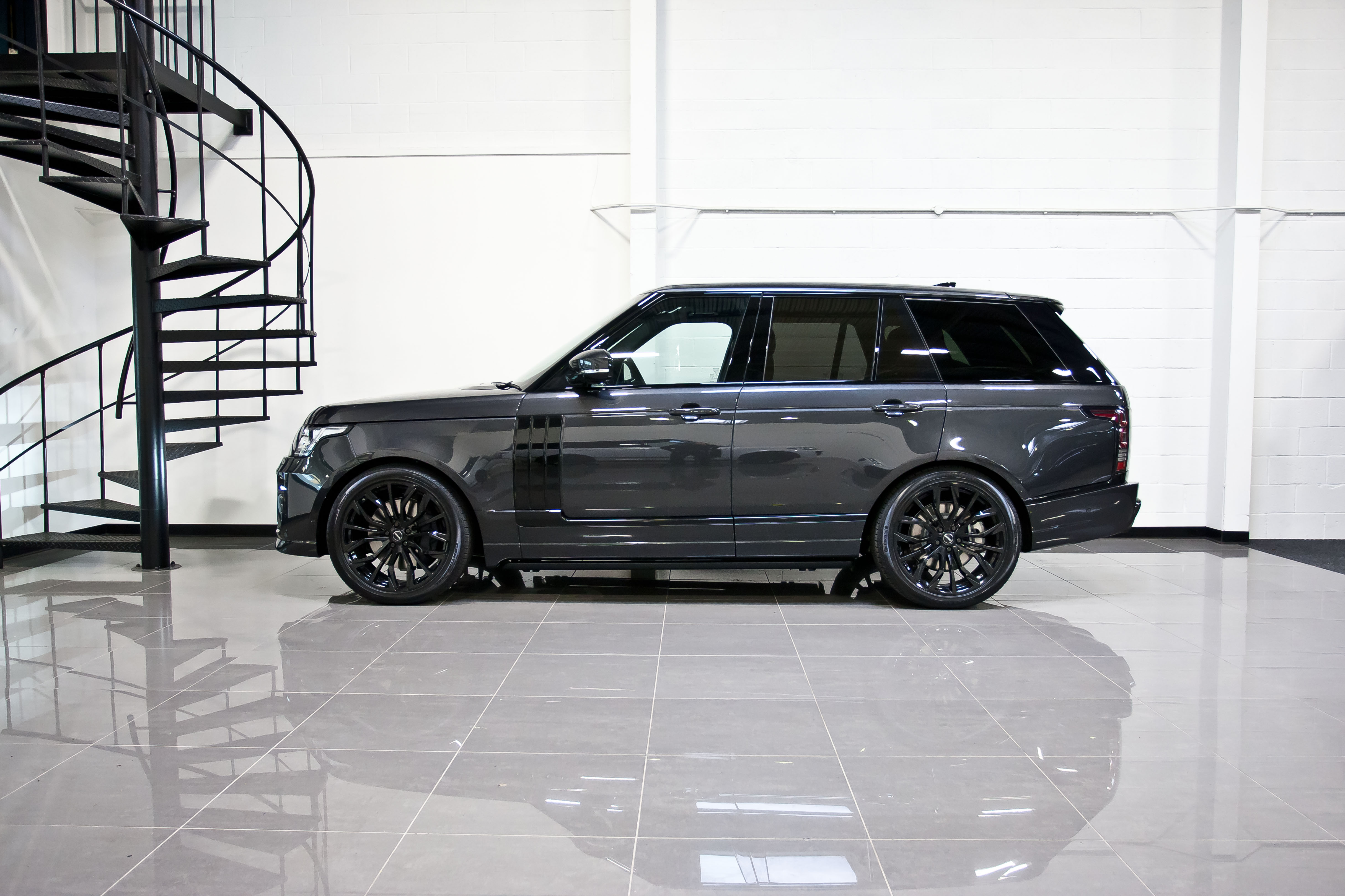 Urvan Range Rover Vogue v2 Carpathian Grey42