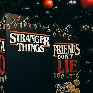 "A ""STRANGER THINGS"" BIRTHDAY"
