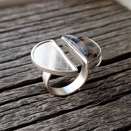 Sweetwater Agate Double Finger Ring