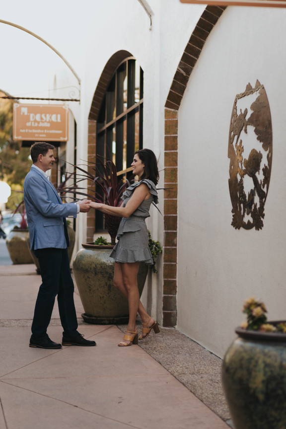 elegant La Jolla engagement session in San Diego, California at the Athenaeum Music and Arts Museum