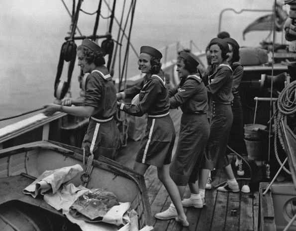 mariners hoisting sails.jpg
