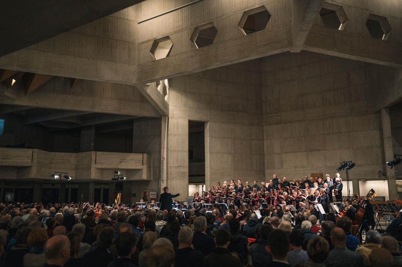 Bristol Symphony by Remco Merbis (9).jpg