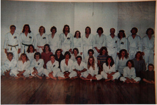 1974 class photo before Iba's arrival Geoff Waye with headband back row