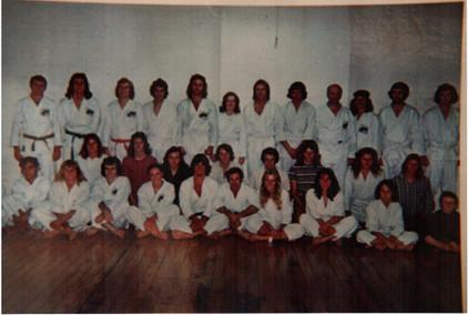 1974 class photo before Iba's arrival Geoff Waye with headband back row