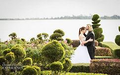 wedding lake ashton florida gardens bride groom kissing