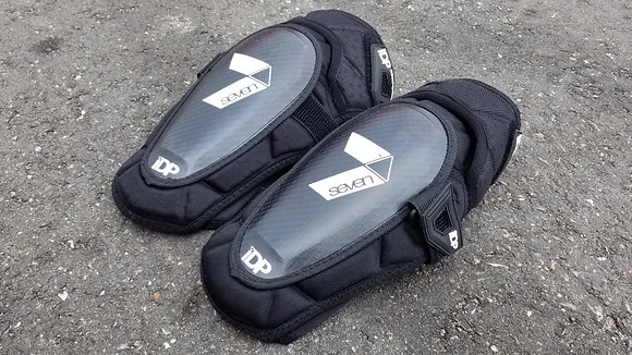 7 Protection IDP Control Knee Pads - XL