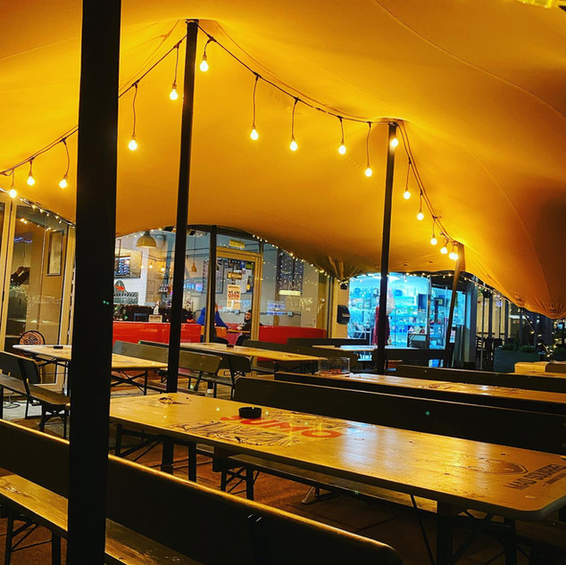 7x9m stretch tent tap room