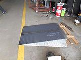 縞鋼板スロープ3.JPG