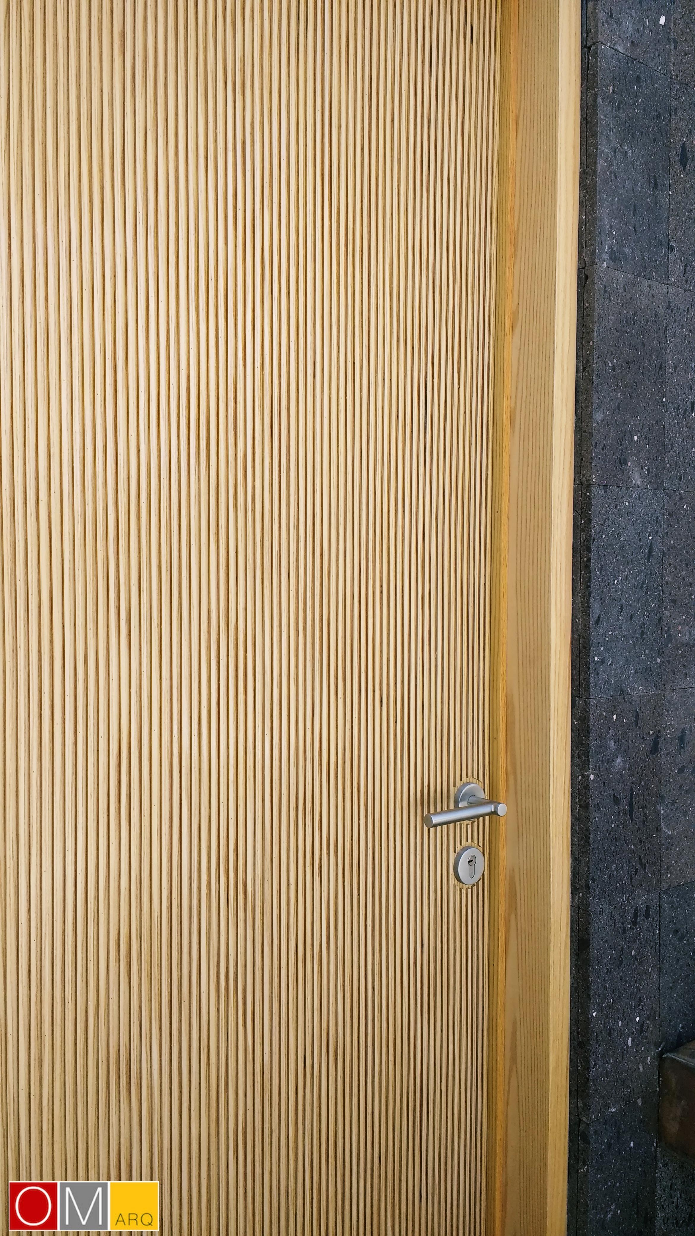 006 Puerta principal