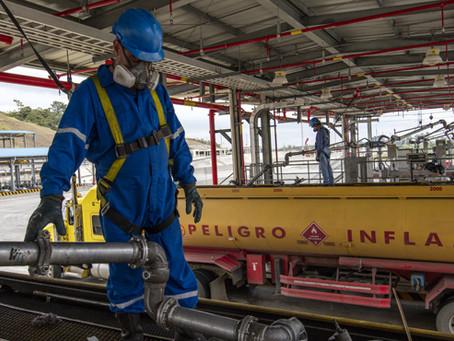 La ARC verifica las condiciones técnicas para la exportación de 14 autotanques con combustibles