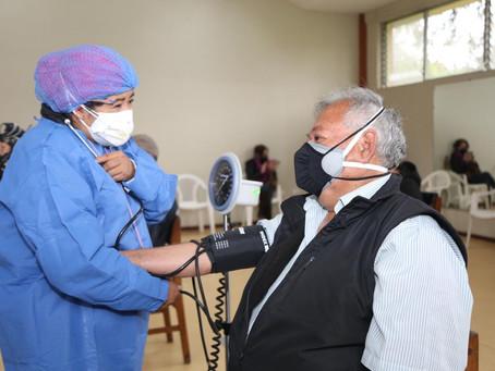 IESS se suma al Plan de Vacunación del MSP para adultos mayores con discapacidades y catastróficos