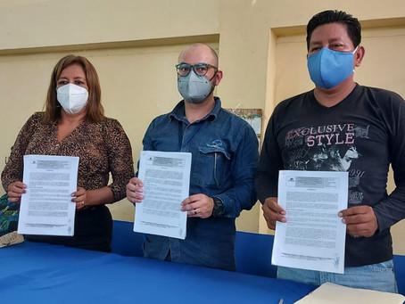 Petroecuador y representantes de la comuna El Edén suscribieron convenio para la ejecución de obras
