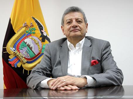 GONZALO UQUILLAS ASUME COMO VICEMINISTRO DE ELECTRICIDAD