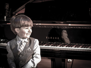What Should Piano Lessons Include?