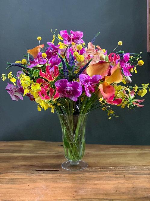 Arranjo Mix de Flores em Taça de vidro