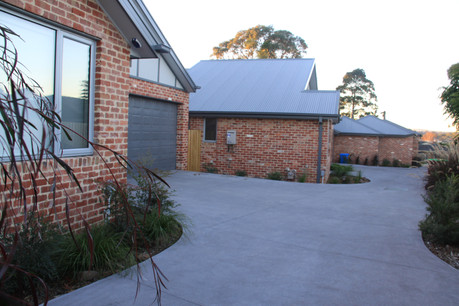 3 single storey unit development.