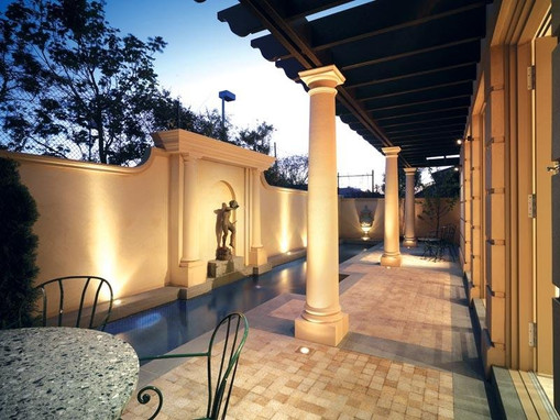 cobble stone paving to pool area