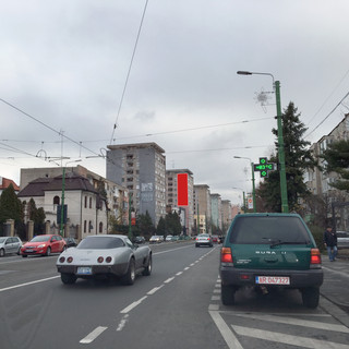 Calea Romanilor, Bl. H1 - fața B (5,2m x