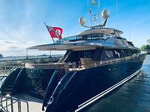 black%20and%20gray%20yacht%20during%20da