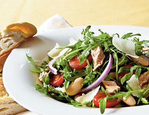 Arugula, Italian tuna and white bean salad