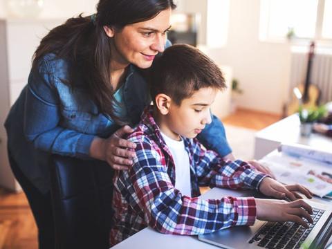 ¿Cómo ayudar a tu hijo en las clases virtuales?