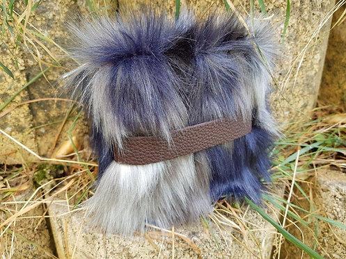 SMILLA - Siberian Wolf - Wrist Pouch
