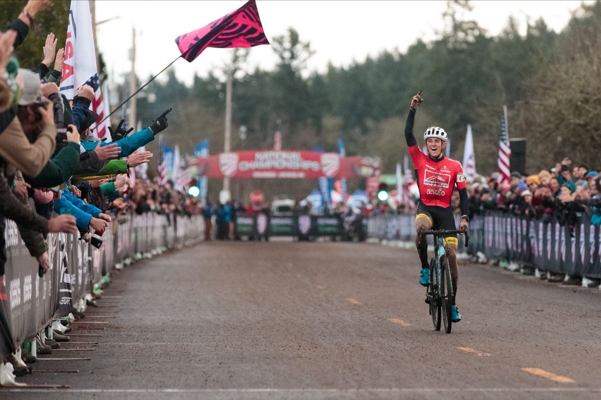 Hecht crushes elite CX competition