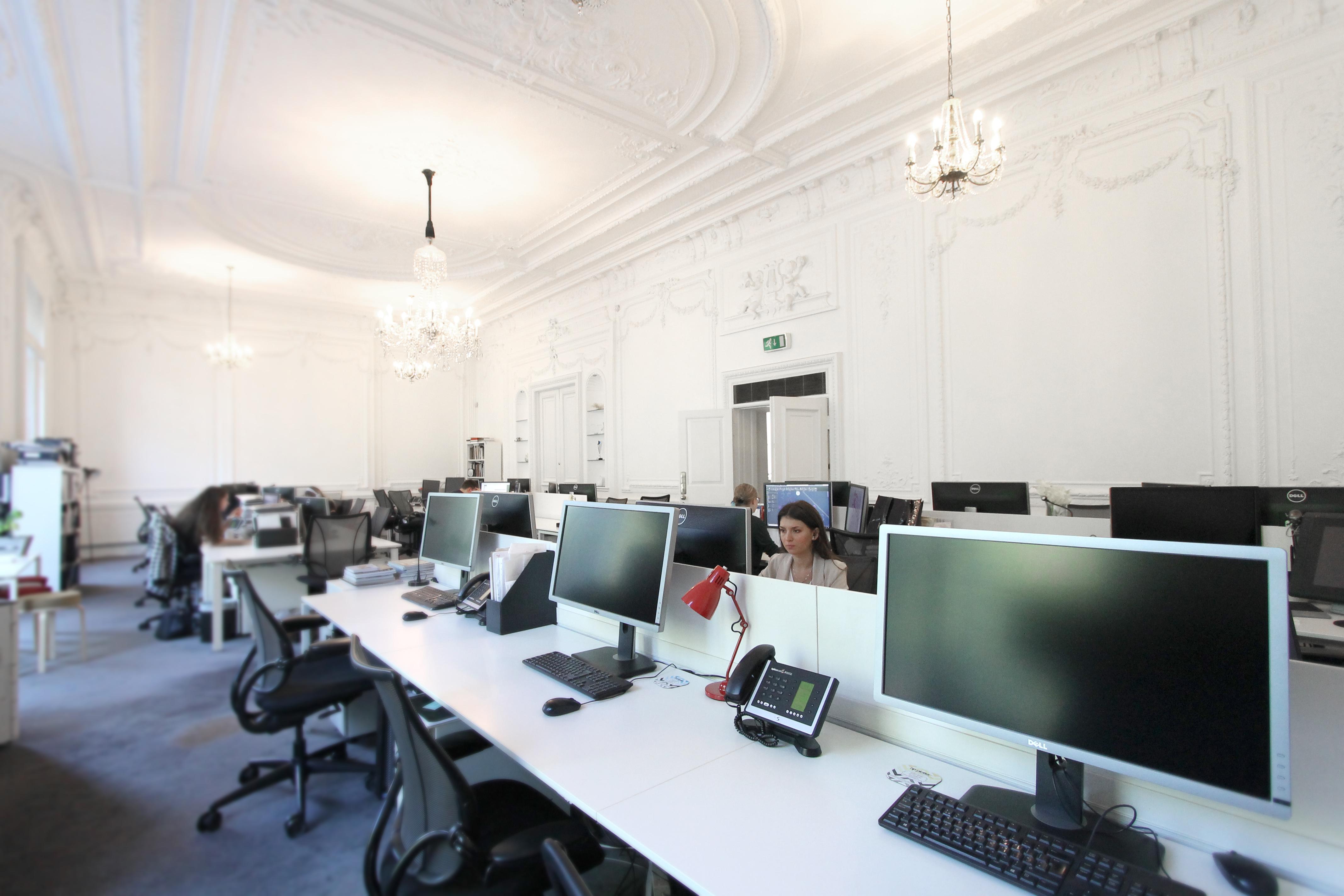Hire a desk space
