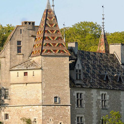 chateau-de-la-rochepot-vue_generale_2.jpg
