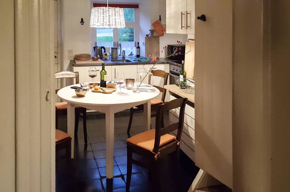 3 BorrelKeuken tafel (1CC).jpg