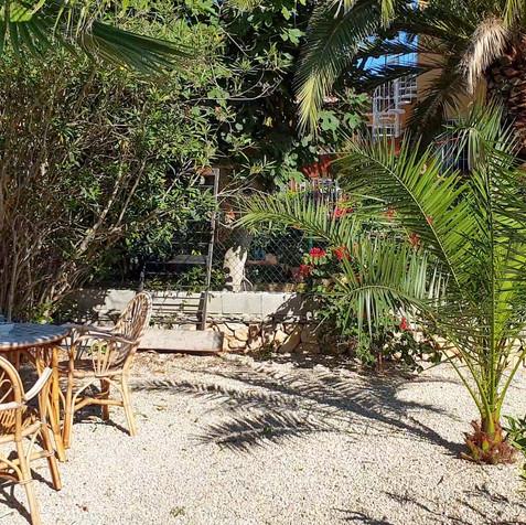 Casa Rika Aankomst Tuin (4).jpg