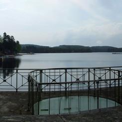 Lac_des_settons_-_barrage_06.jpg