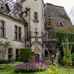 Chateau_de_La_Rochepot_15.jpg