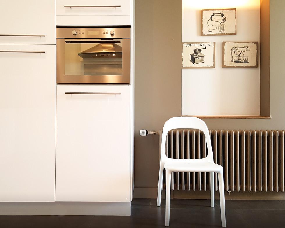 20-Dining-Kitchen.jpg