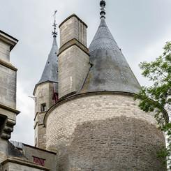 Chateau_de_La_Rochepot_03.jpg