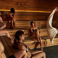 aufguss-groupe-sauna-meister-homme-2.jpeg