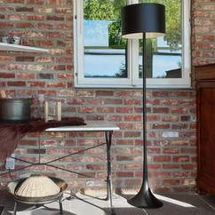 3-Lounge-Marmeren-Tafels.jpg